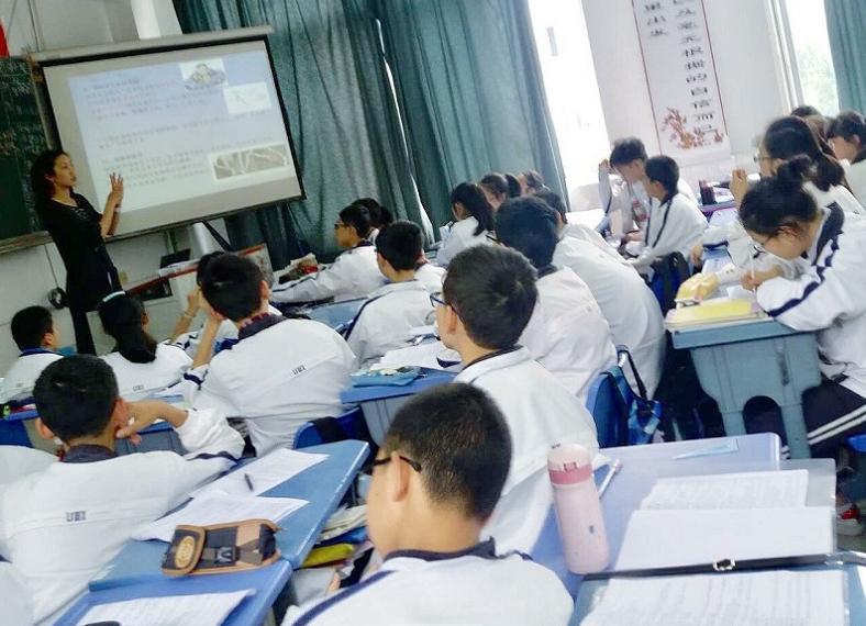 乐山外校:急救护理常识走进实践课堂